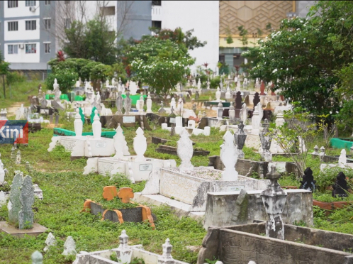 [VIDEO] Stulang assemblyman wants to resolve the shortage of space issue at a Muslim Cemetery ground in Kampung Bakar Batu