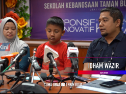 [VIDEO] A victim of the Sungai Kim Kim toxic pollution receives donation